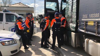 Politie controleert op vrachtwagens die verkeersveiligheid in gevaar brengen
