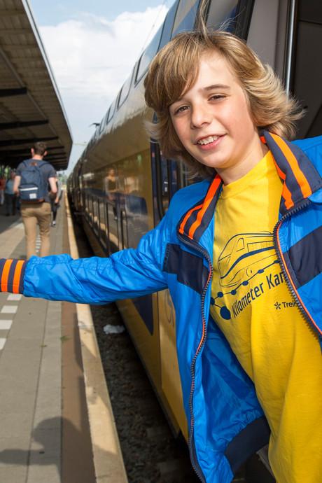 Enzo (12) uit Goes rijdt 24 uur achter elkaar met de trein