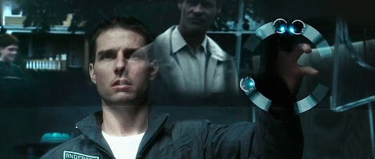 'Touchless' Tom Cruise in Minority Report.  Beeld