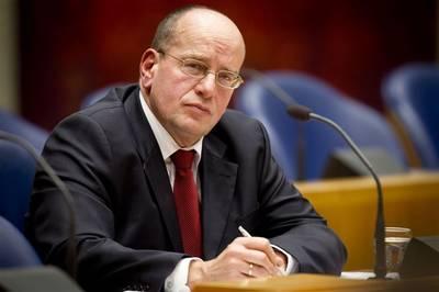 Brabantse blogger doet aangifte tegen Teeven om zaak rechtsbijstand