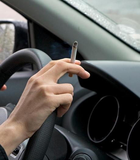 Rijkswaterstaat: 'Automobilisten, gooi geen peuken weg'