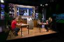 Elke woensdagavond wordt Proat TV uitgezonden, met Inge de Jager als presentatrice.