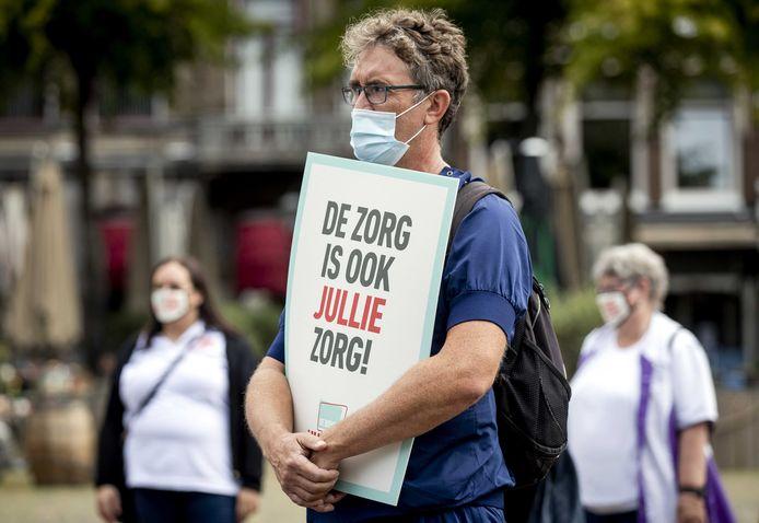 Zorgverleners voeren actie op het Binnenhof