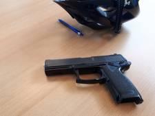 Politie Harderwijk betrapt jongens met nepwapen, ouders ingelicht