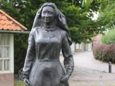 Bronzen beeld Antje de Waaij in Dreischor weer gestolen