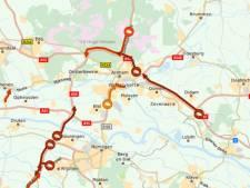 Kapotte vrachtwagen op A50: verkeer van Apeldoorn naar Arnhem loopt vast