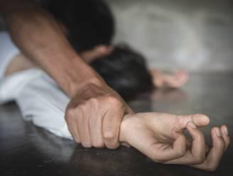 """Vrouw raakt zwaargewond tijdens brutale verkrachting: """"Slachtoffer had zware hoofdwonde, en leek in coma"""""""
