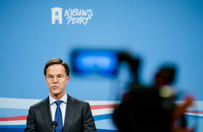 Zeeland vraagt in een brief aan premier Rutte om schadeloosstelling voor het afblazen van de marinierskazerne.