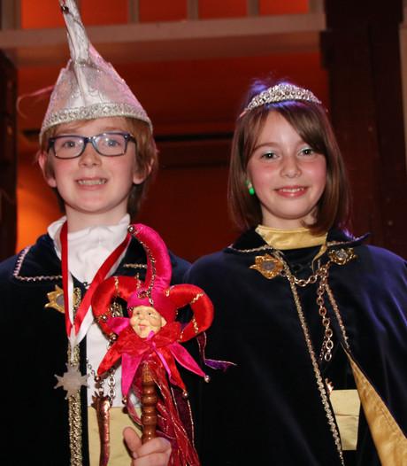 Jeugdprins Dreke dun 43ste en jeugdprinses Femke gaan voor in de leut in Dongen