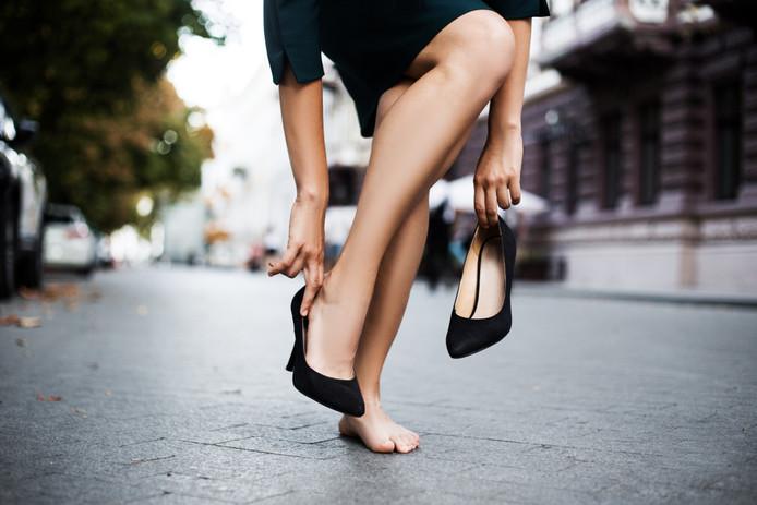 Foto ter illustratie. Veel Japanse werkgevers verwachten van vrouwelijke werknemers dat ze hoge hakken dragen.