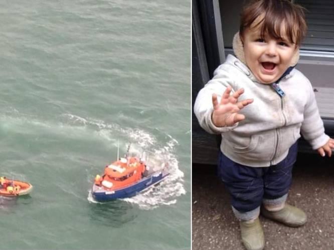 """Helipilote Valerie (40), zelf mama van twee, getuigt over ramp op Noordzee: """"Als je achteraf hoort dat er kinderen van 5 en 8 gestorven zijn, is dat erg slikken"""""""