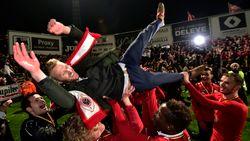 """Coach De Decker in extase: """"Dit is waanzin! We hebben geschiedenis geschreven"""""""