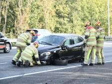 Ongeval tussen twee auto's op A12 bij Woerden