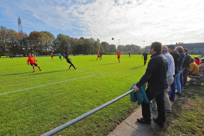 De KNVB houdt SC Hoge Vucht in de smiezen. Als ze nog een keer over de schreef gaat, royeert de bond de club.