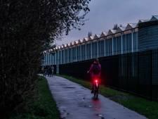 Doorsteek Madestein pikdonker nu lantaarns zijn verdwenen: hardlopers blijven weg uit angst
