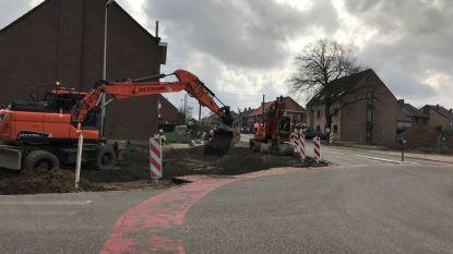 Werken aan rotonde Veldwezelt worden hervat