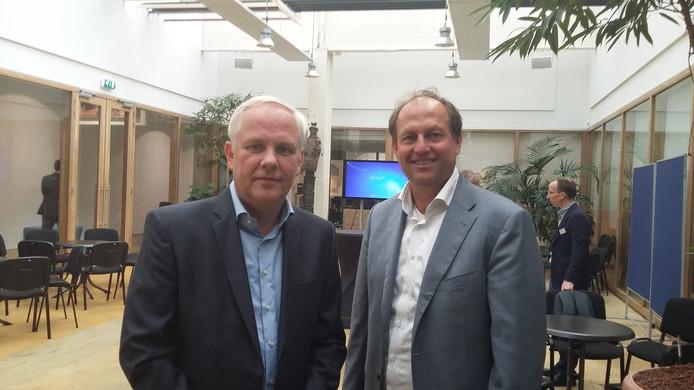 Wim Kees Woltering (rechts) van Stable International en Frank Verkerk van Veluwezoom Verkerk dat Zevenaar Fashion Outlet gaat realiseren.