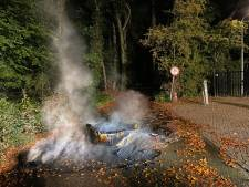 Grote vaten in brand in Arnhem, vermoedelijk drugsafval