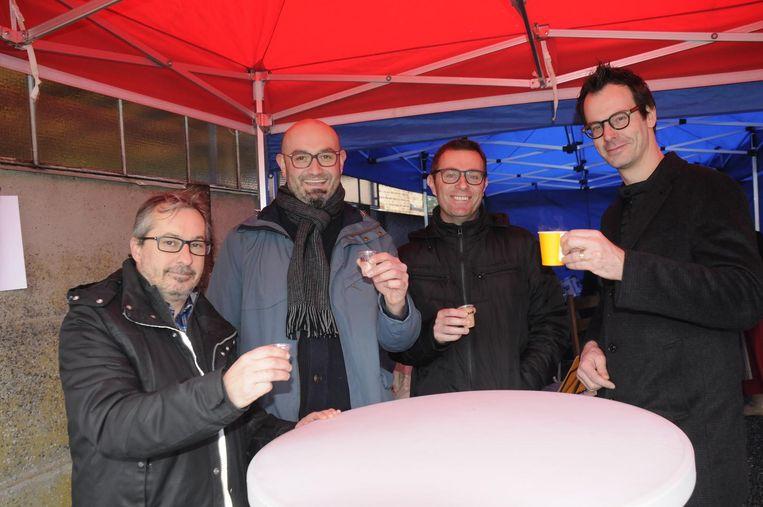 Jan Vanvlasselaer, Jordy Helsen, Steve Lemmens en Steven Aerts komen de Chiro een hart onder de riem steken.