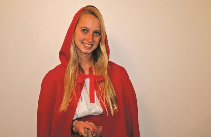 Oud-academieleerlinge en -Drontense Charlotte van 't Hof speelt de hoofdrol: Roodkapje.