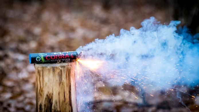 Naar eigen zeggen is de politie Oost-Nederland er in geslaagd om de online verkoop van zwaar, illegaal vuurwerk te frustreren.