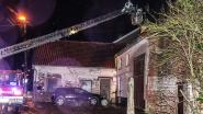 Brandweer snelt naar Twaalfbunderstraat om schoorsteenbrand te blussen
