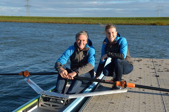 Cees van Bladel en Lenneke de Voogd zijn er klaar voor het roeien te promoten met hun Witte Botenplan.