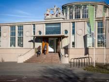 Bouw van schoorsteen op het Onderwijsmuseum duurt langer