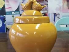 Mooie pot in Kringloopwinkel Het Goed Geldrop blijkt urn met as