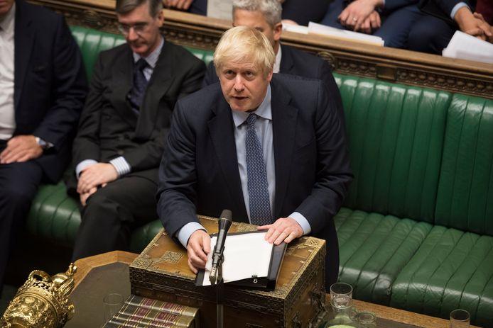 Premier Johnson leed gisteren twee nieuwe nederlagen in het parlement: dat keurde een verbod op een 'no deal' goed, en ontzegde hem nieuwe verkiezingen.