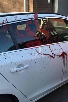 Witte Volvo van Tom (37) uit Schijndel besmeurd met rode verf: 'Deze idioot is ziek in zijn hoofd'