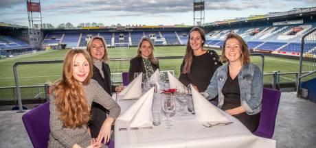 Kerstdiner voor eenzame 55-plussers naar Eindhovens voorbeeld in PEC-stadion