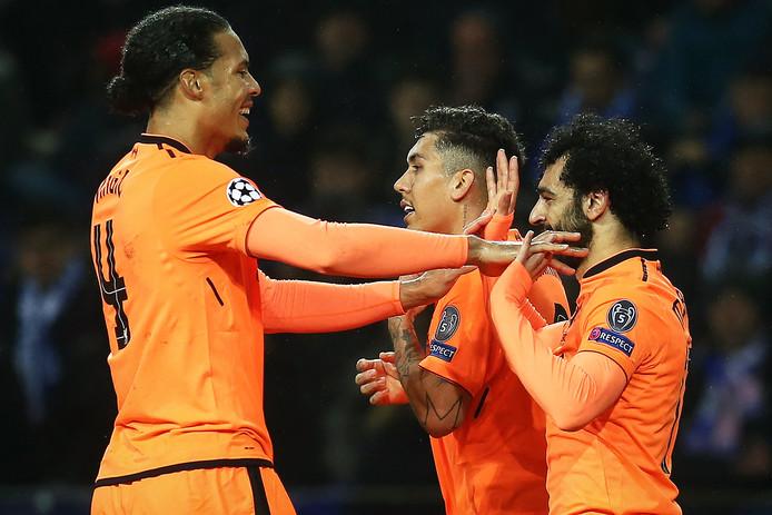 Virgil van Dijk feliciteert Mohamed Salah met zijn treffer tegen FC Porto.