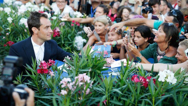 Jude Law maakt zijn opwachting in Venetië. Beeld getty
