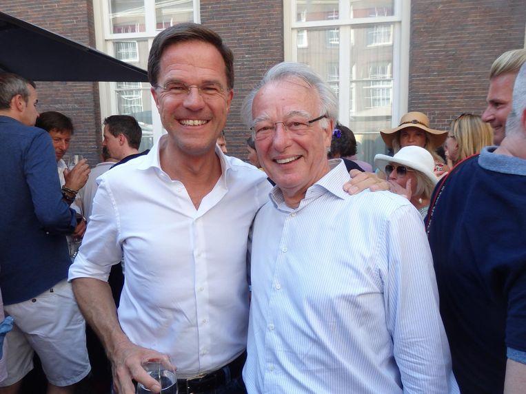 De speechers: premier Mark Rutte en kersvers ex- burgemeester Jozias van Aartsen. Rutte: 'En een hoop glaasjes, hè! Niet zo'n lullige twee of drie' Beeld Schuim