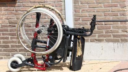 Spelend kindje steekt per ongeluk rolstoel in brand