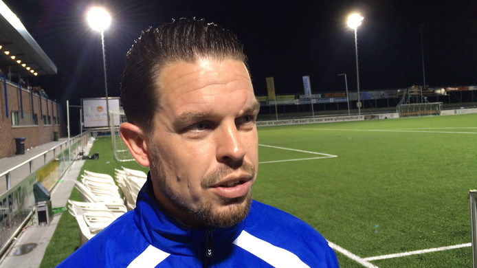 Aanvoerder Sander Duits van SDC Putten maakte de enige treffer tegen de amateurs van Ajax.