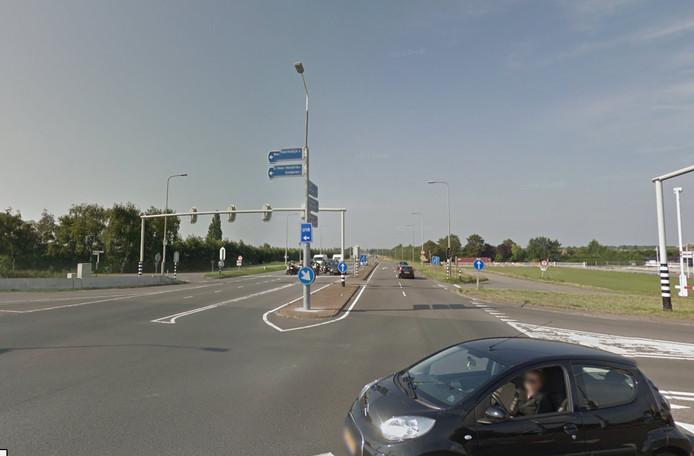 Het kruispunt in de Deltaweg bij Goes en de weg richting Wilhelminadorp gaan komend weekend toch niet dicht.