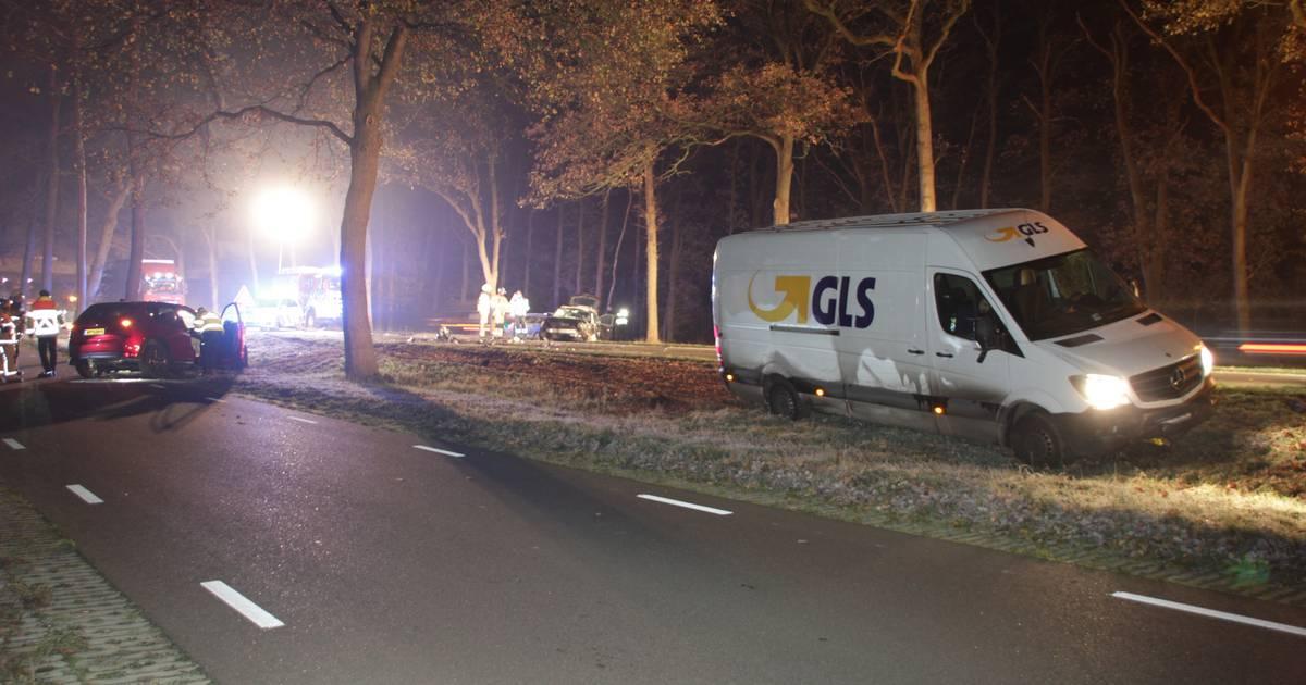 N35 dicht na ongeluk met meerdere voertuigen tussen Haarle en Nijverdal.