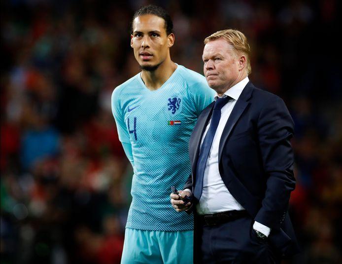 Virgil van Dijk en Ronald Koeman vorig jaar na de verloren Nations League-finale in en tegen Portugal.