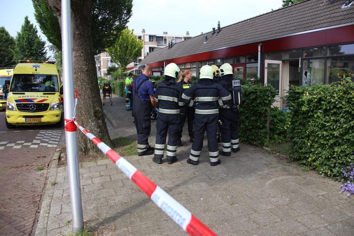 In een woning in de Van der Meystraat in Eindhoven is een dode man aangetroffen.