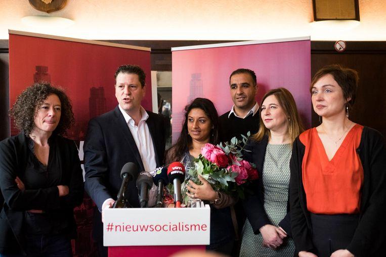 V.l.n.r.: Yasmine Kherbache, Tom Meeuws, Jinnih Beels, Karim Bachar, Güler Turan en Tatjana Scheck bij de voorstelling van de sp.a-lijst voor de verkiezingen.