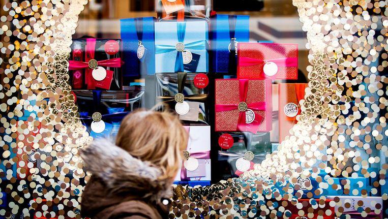 Bespaar jezelf de horror van uren winkel in winkel uitgaan, met deze 10 tips is cadeausucces gegarandeerd. Beeld anp