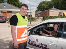 Voor Jip (20) uit Grave komt droom uit: één dag verkeersregelaar bij Omloop der Zevenheuvelen
