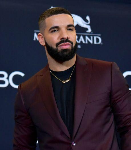 Drake stelt album uit na operatie