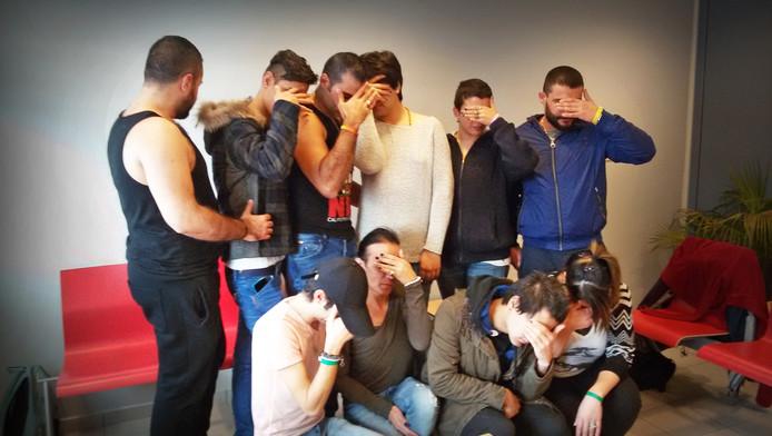 Tien vluchtelingen in Alphen aan den Rijn zijn in hongerstaking gegaan omdat ze zich niet veilig voelen.