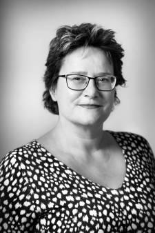 Vragen stellen is houvast voor het leven, zegt Bert Scheuter bij het overlijden van Sanne Deurloo