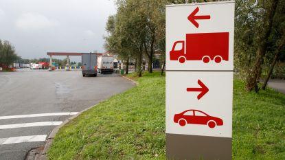 Transmigranten rijden verkeerde kant op