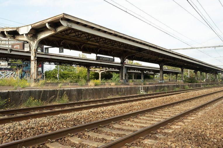Groen wil ook ongebruikte stations, zoals hier Antwerpen Oost, heropenen.