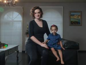 """La mère du bébé malade dont Michy Batshuayi n'a jamais voulu: """"En moins d'un jour de travail, il peut lui rendre l'ouïe"""""""